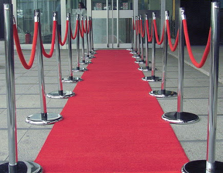 Chrome Stands and 1.5m Red Rope